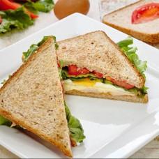 Сэндвич с курицей и яйцом